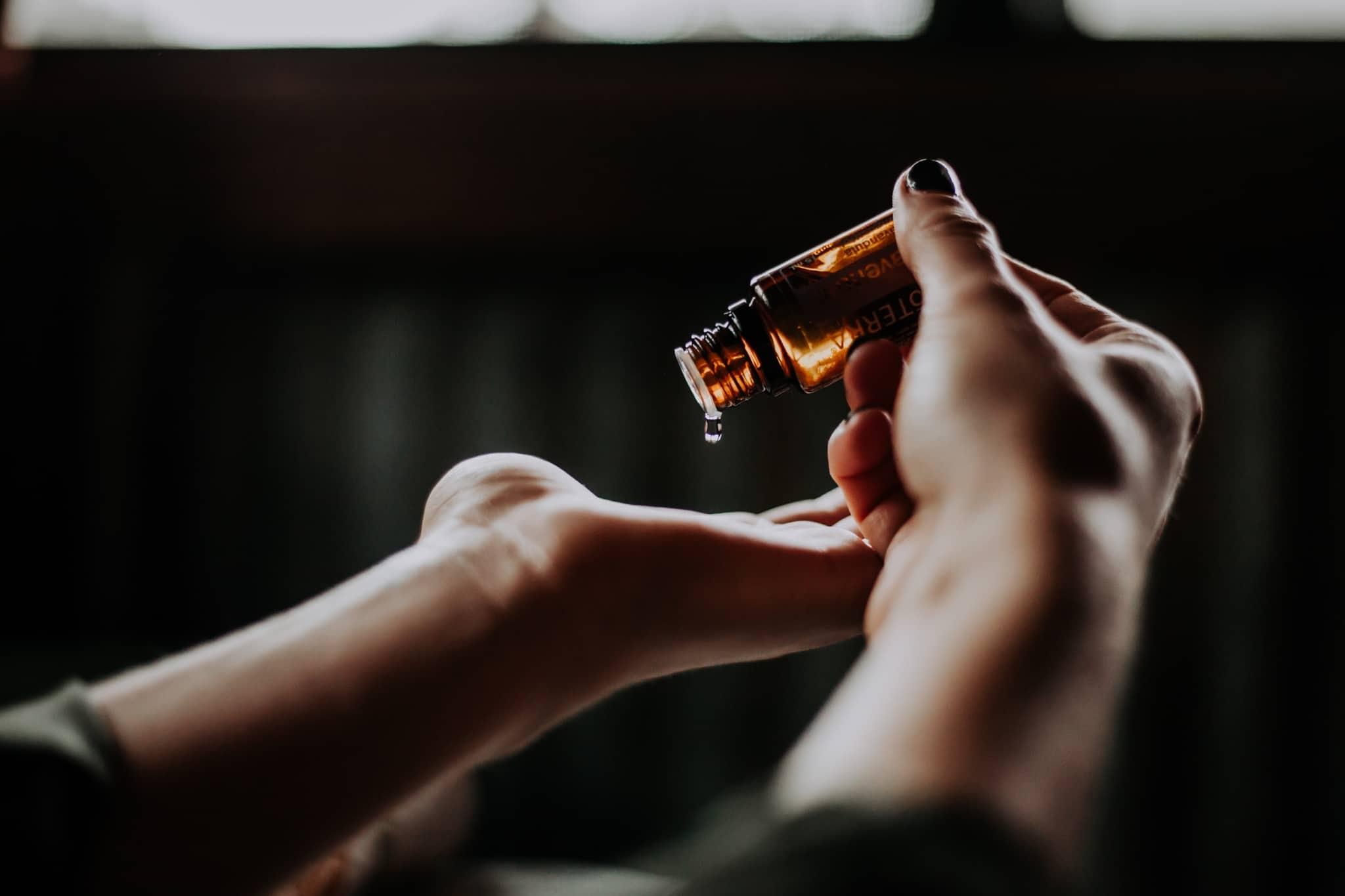 huile essentielle femme enceinte et enfant