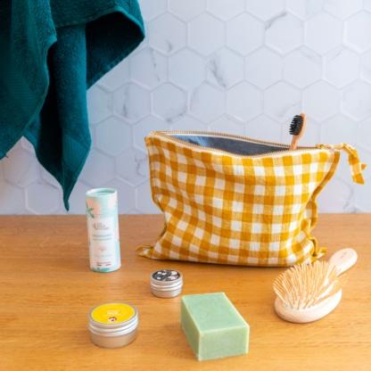 trousse de toilette complète de cosmétiques naturels et zéro déchet