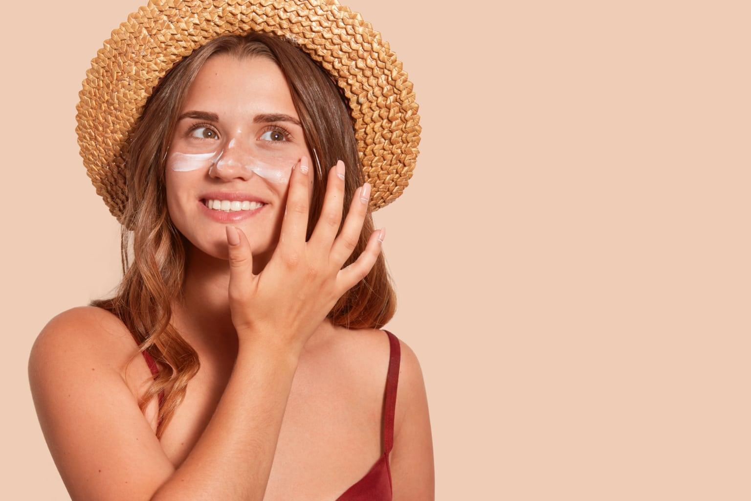femme crème solaire naturelle