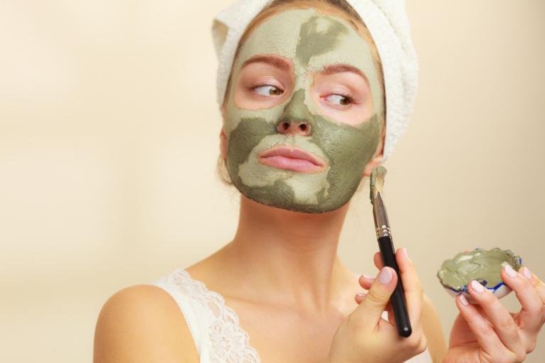 masque à l'argile verte pour le visage
